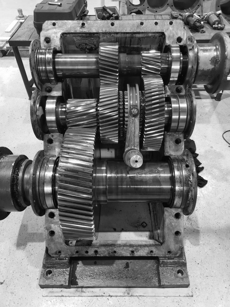 Pekrun - contribution race against time - Gearbox during disassembly and diagnosis